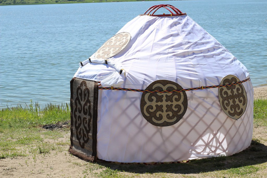 khan-yurt-01