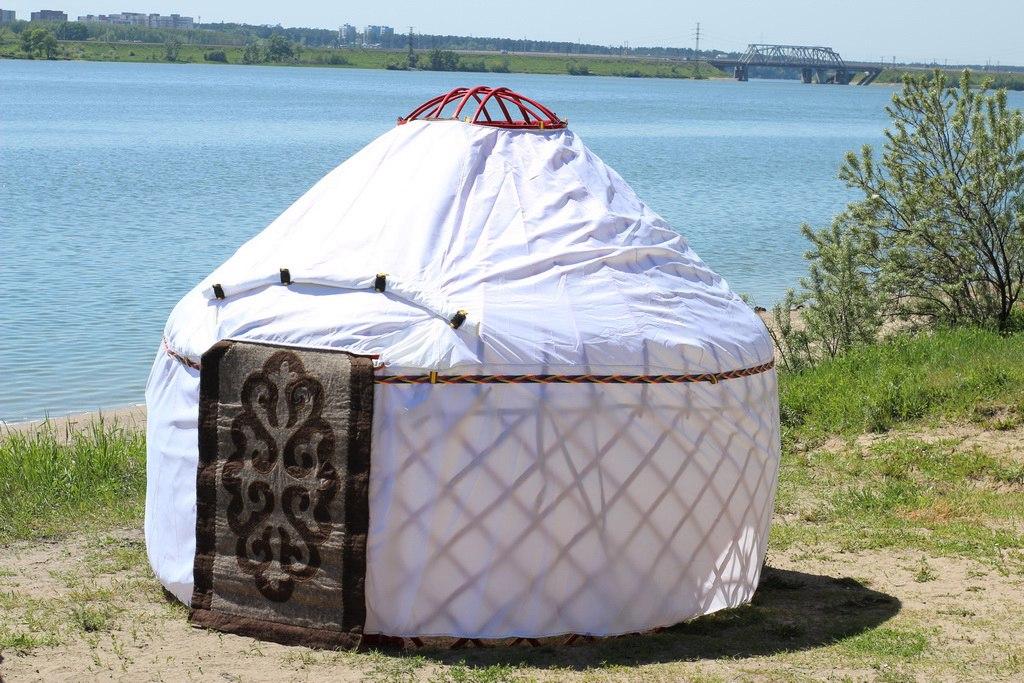 khan-yurt-08